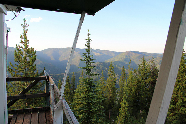 Arid Peak Lookout, courtesy of Alexandra Taco via Flickr CC.