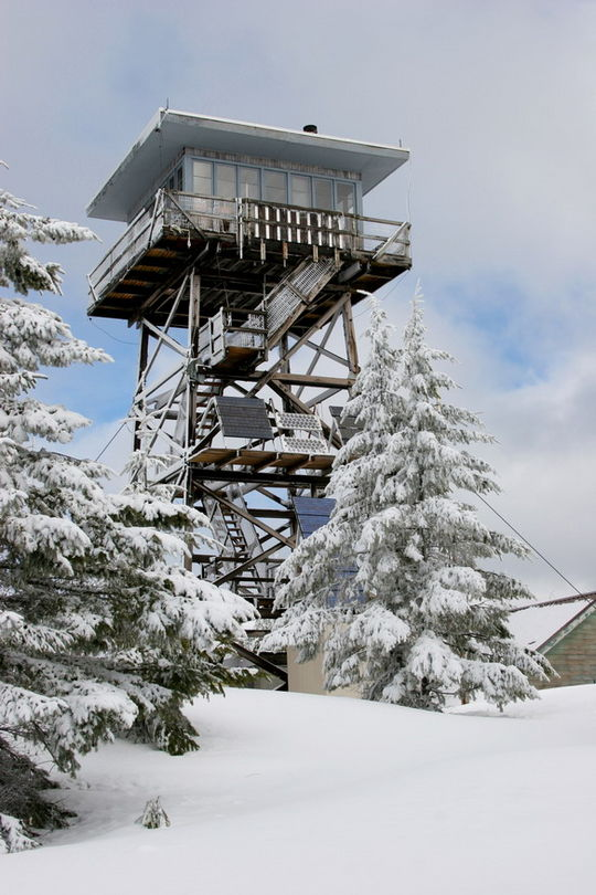 Clear Lake Cabin Lookout, Oregon, courtesy of recreation.gov